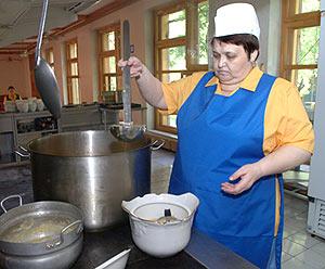 Приготовление блюд отварной припущенной рыбы